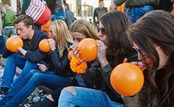 Laughing gas orange balloons_250x150