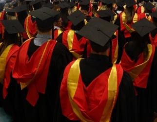 2013 Bathurst graduates_red-gold